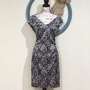 EUC MAGGY LONDON Banded Front & Back V-Neck Dress
